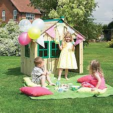 The Importance of Playhouses for your Child