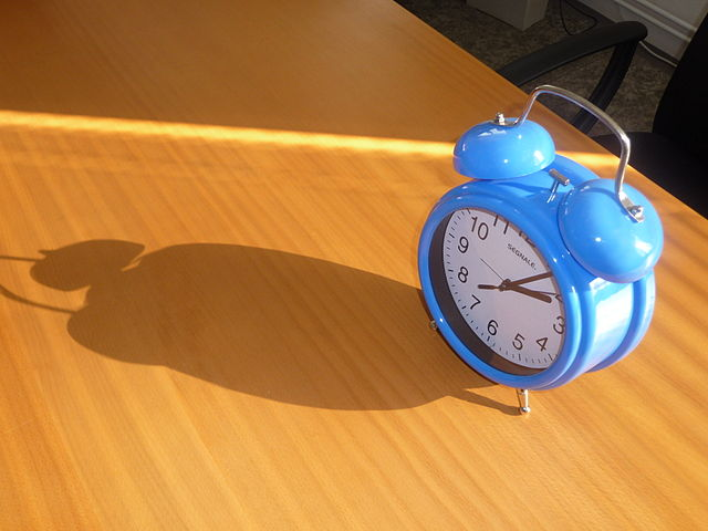 Source: http://commons.wikimedia.org/wiki/File:Blue_alarm_clock_(1).jpg