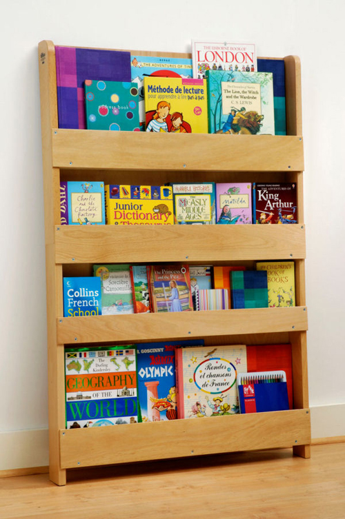 Tidy books - Kids Book Shelf