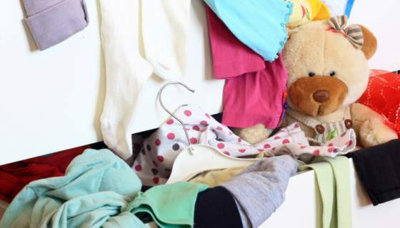 De Cluttering your childs room