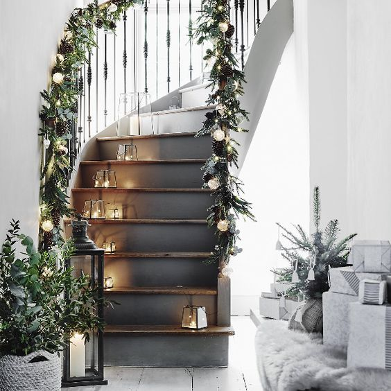 Stairs decorated with fake leaves and foliage
