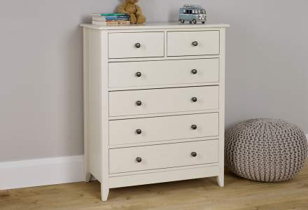 Jubilee 4 +2 Drawer Chest in Ivory White
