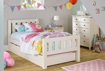 Jubilee Room Set A - Single Bed, Underbed Drawer, 3 Drawer Bedside, Mattress, 4+2 Chest in Ivory White