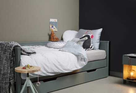 Boston Pine Green Day Bed