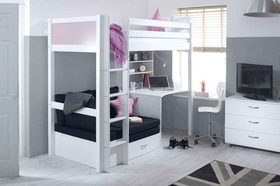 Nordic Pink HS with small black chair