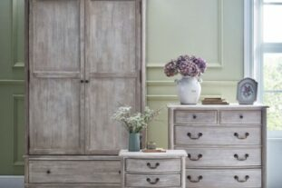 french room set