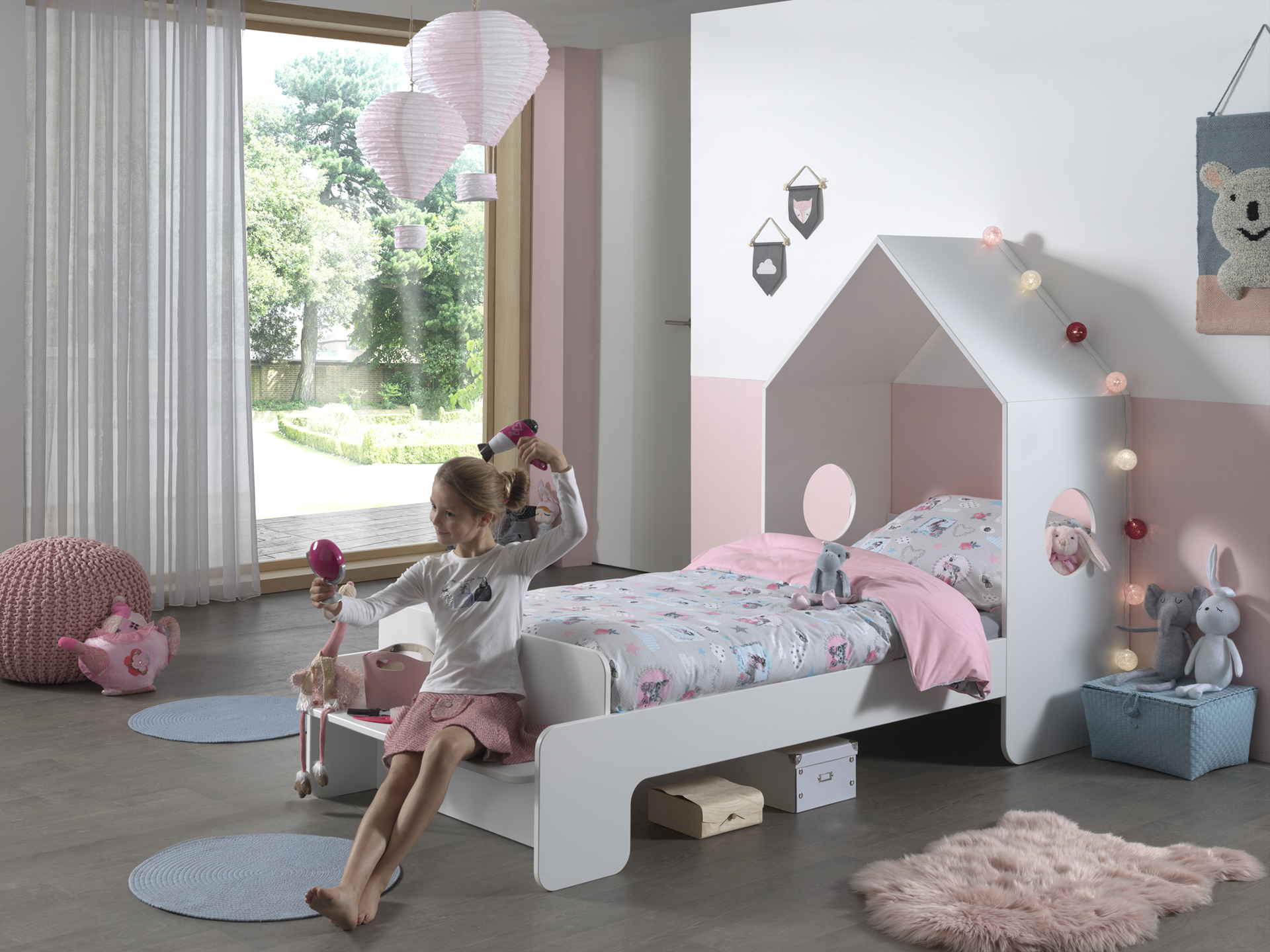 Abode bed with bench