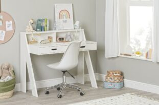 Manhattan desk white 3-4 with chair resize