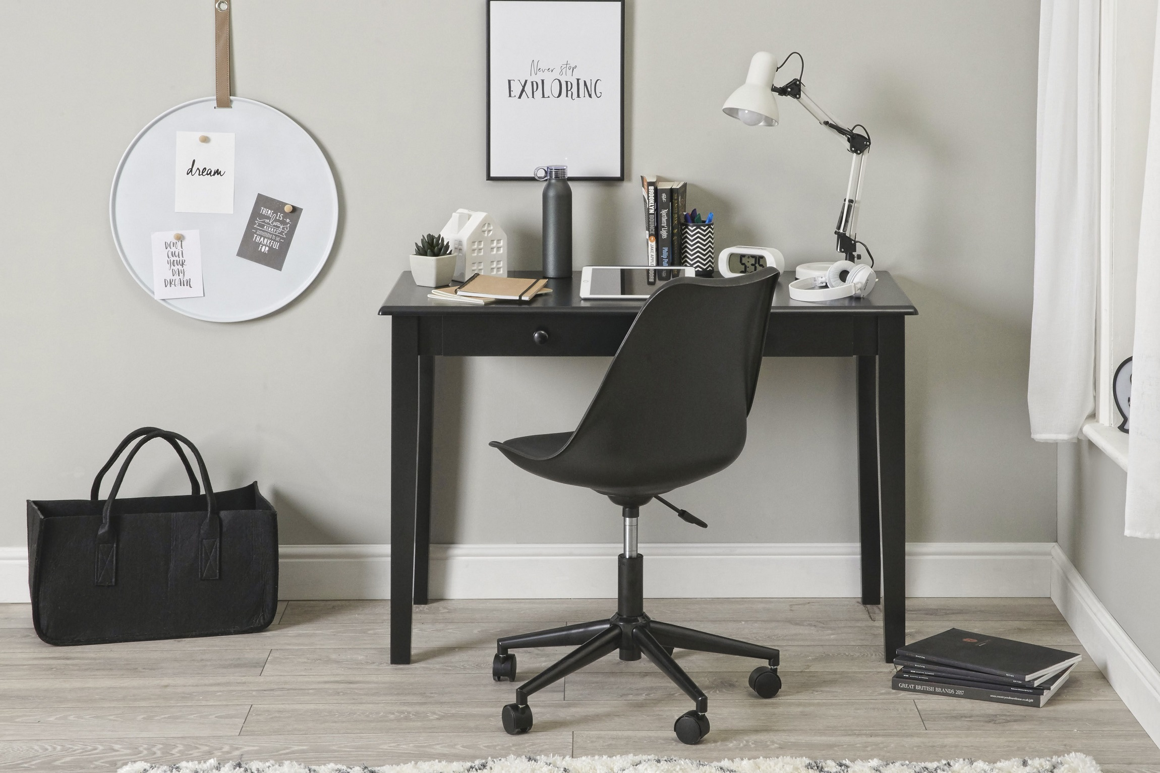 Gala black front with chair