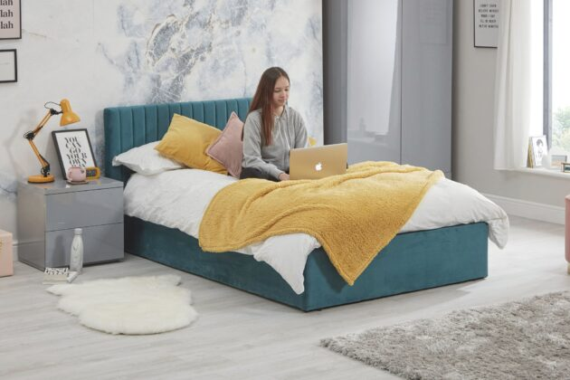 Luca bed Teal - lifestyle 3