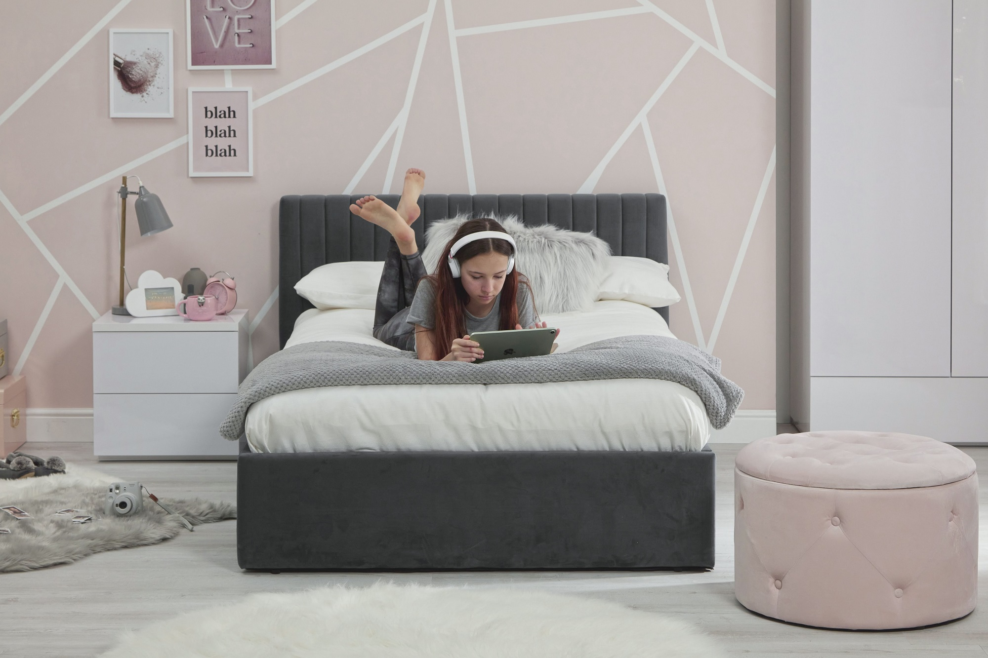Luca bed grey - lifestyle 5