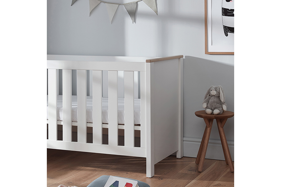 aylesbury cot bed white and ash 005