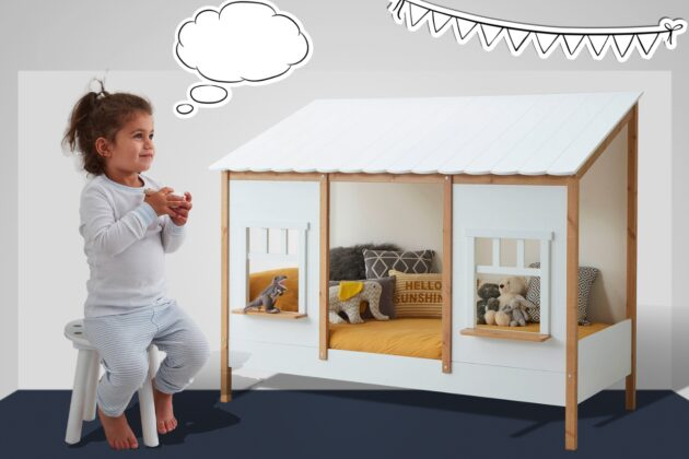 Townhouse bed with child